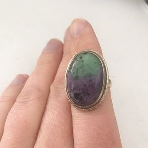 Jewelry - Metal cocktail ring with green & purple stone